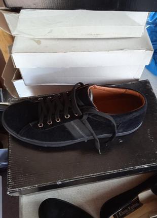 Кеди,туфлі,кросівки