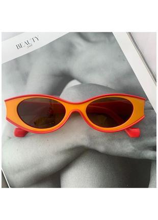 Стильные солнцезащитные очки!