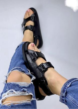 Босоножки кожа под рептилию сандали чёрные на липучках