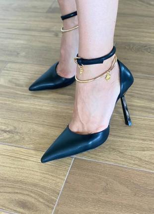 Босоножки туфли женские кожаные черные на каблуке брендовые нарядные