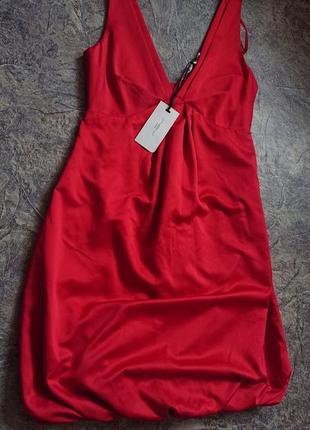 Атласные красное платье new look.