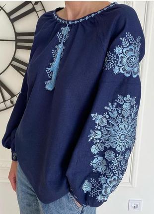 Льняная женская вышиванка. джинсовый цвет
