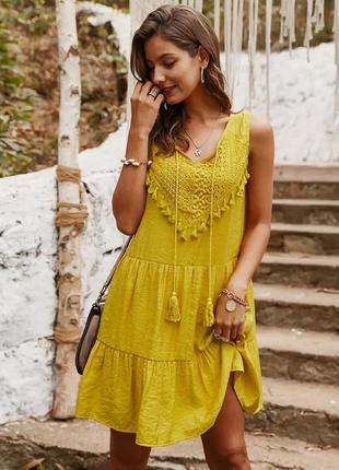 Очаровательное платье с вышивкой