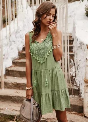 Очаровательное платье с вышивкой рашелье