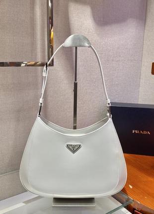 Фирменная кожаная женская сумка белая