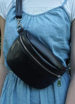 Стильная и функциональная денская сумка бананка из эко кожи