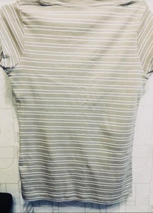 Натуральная футболка с оригинальным вырезом9 фото