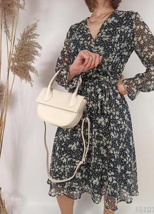 Кремова сумочка напівкругла з вузликом, женская сумка полукруглая крем