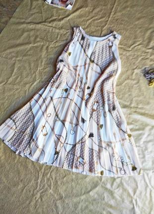 Плессированное платье