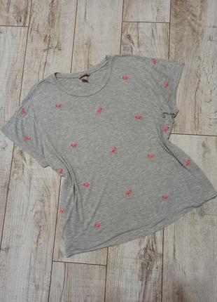 Трикотажная футболка с вышитыми фламинго