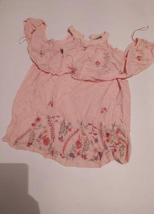 Блуза с вышивкой и открытыми плечами, цветы
