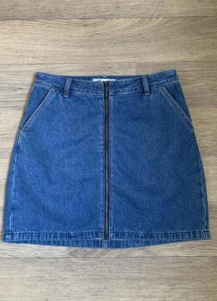 Джинсовая мини юбка с высокой посадкой мом hollister в стиле zara hm