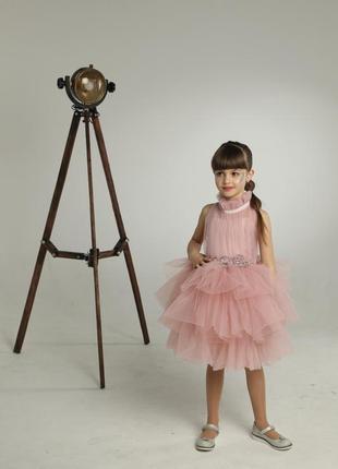 Нарядное пышное платье для девочки пудового цвета