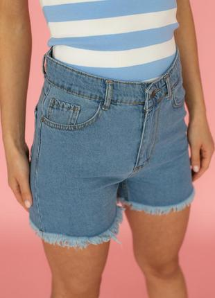 Шорти джинсові з пошарпаними краями