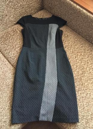 Актуальное платье футляр