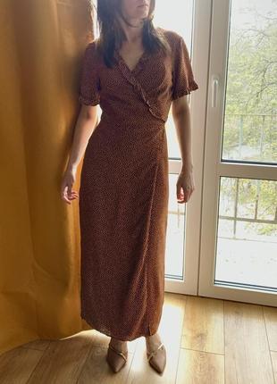 Платье на запах в горошек