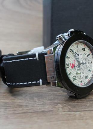 Чоловічий кварцевий годинник