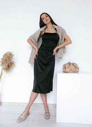 Платье-комбинация из сатина черное на тонких бретелях