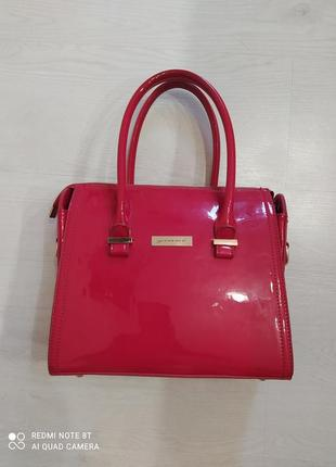 Красная лаковая сумка 25*30 сн
