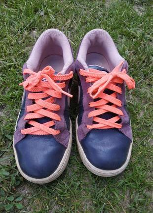Фирменные кроссовки 35 размер