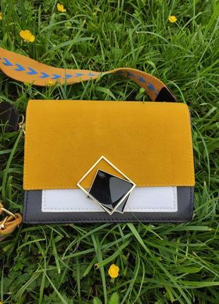 Стильна актуальна трендова сумка сумочка з широким плетеним ременем