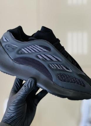 Женские кроссовки adidas yeezy boost 700v3 36-37-38-39-40-41