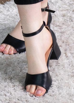 Черные туфли босоножки на каблуке женские летние новые - женские туфли босоножки 2021