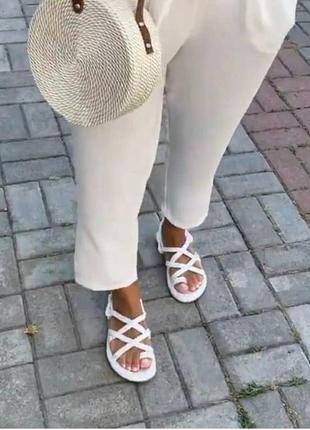 Шикарнейшие летние сандали10 фото