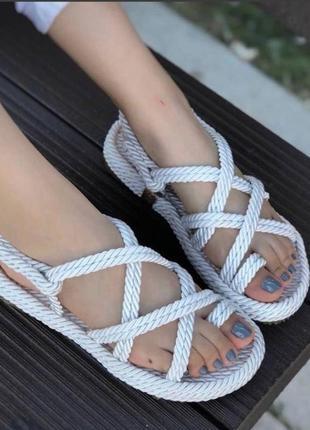 Шикарнейшие летние сандали6 фото