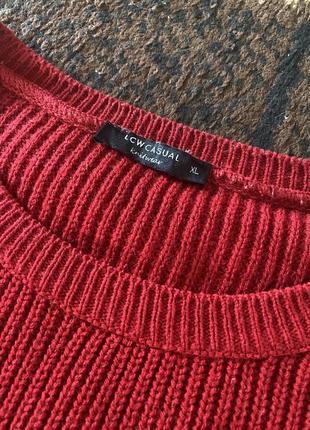 Свитер вязаный красный с разрезами хл3 фото