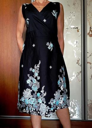 Красивейшее черное хлопковое платье с запахом с инскрустацией бисером
