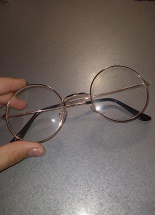 Декоративные прозрачные очки
