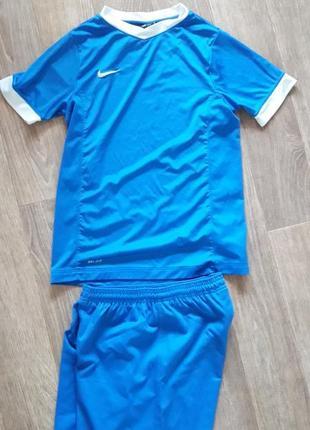 Футболка и шорты комплект nike 152-158см