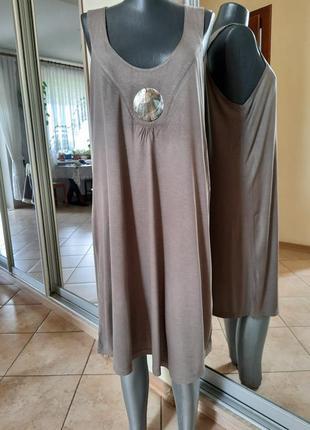 Милое вискозное с украшением платье 👗