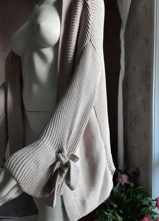 Кофта кардиган свободного кроя , с расклешенными рукавами