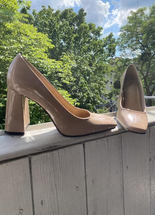 Нюдовые туфли h&m