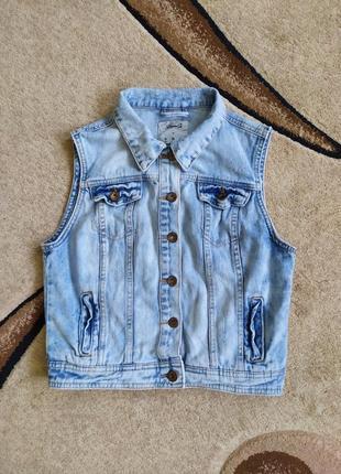 Джинсовка, джинсовая жилетка, безрукавка