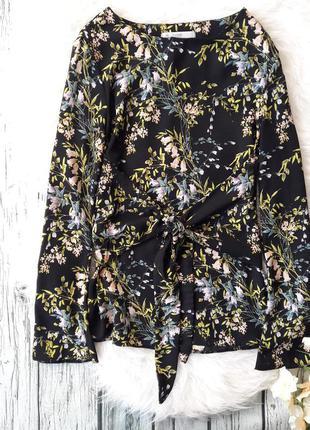 Блуза черная в цветочек с поясом на талии, рукав расклешенный размер s george