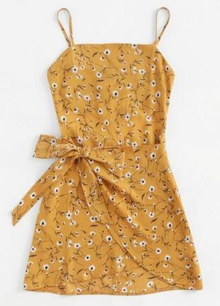 Трендовое платье на запах