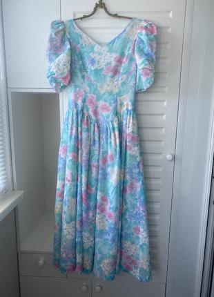 Винтаж. красивое пышное платье с цветочным узором2 фото