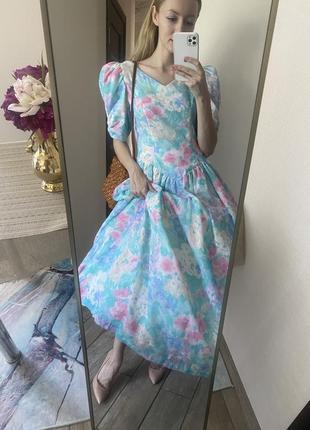 Винтаж. красивое пышное платье с цветочным узором6 фото
