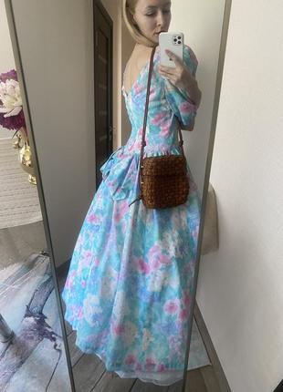 Винтаж. красивое пышное платье с цветочным узором4 фото