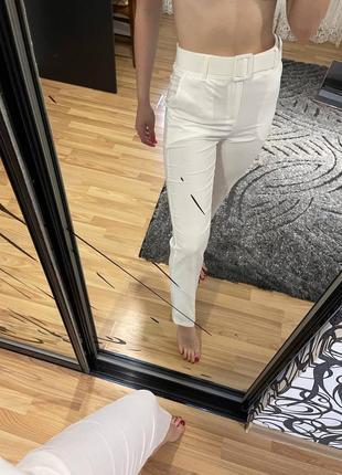 Білі штани на літо
