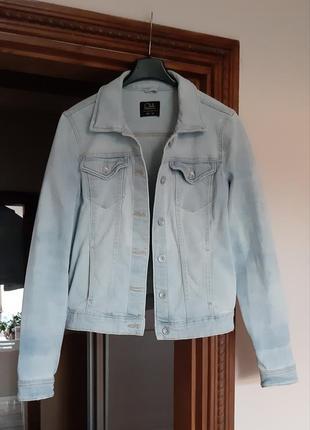 Супер голубая джинсовая курточка
