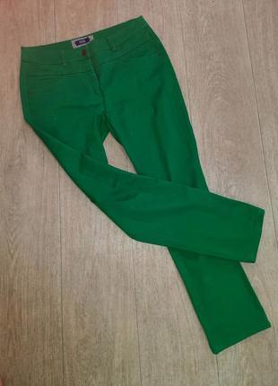 Зеленые летние джинсы скинни