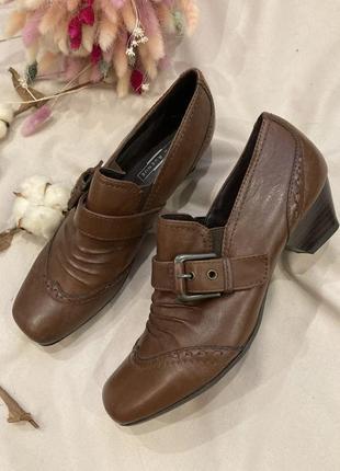 Кожаные туфли в стиле clarks ecco zara