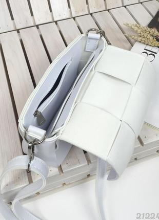 Біла плетена сумочка кросбоді, женская сумка через плечо кроссбоди белая плетеная4 фото
