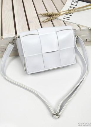 Біла плетена сумочка кросбоді, женская сумка через плечо кроссбоди белая плетеная2 фото