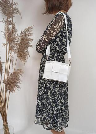 Біла плетена сумочка кросбоді, женская сумка через плечо кроссбоди белая плетеная1 фото