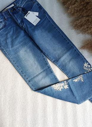 ✨неймовірні та стильні джинси скінні із вишивкою , скинни✨